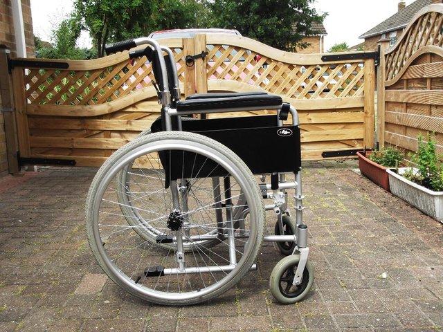 Tienda de sillas de ruedas de segunda mano en madrid for Sillas baratas segunda mano