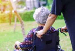 Cómo determinar el ajuste adecuado en una silla de ruedas