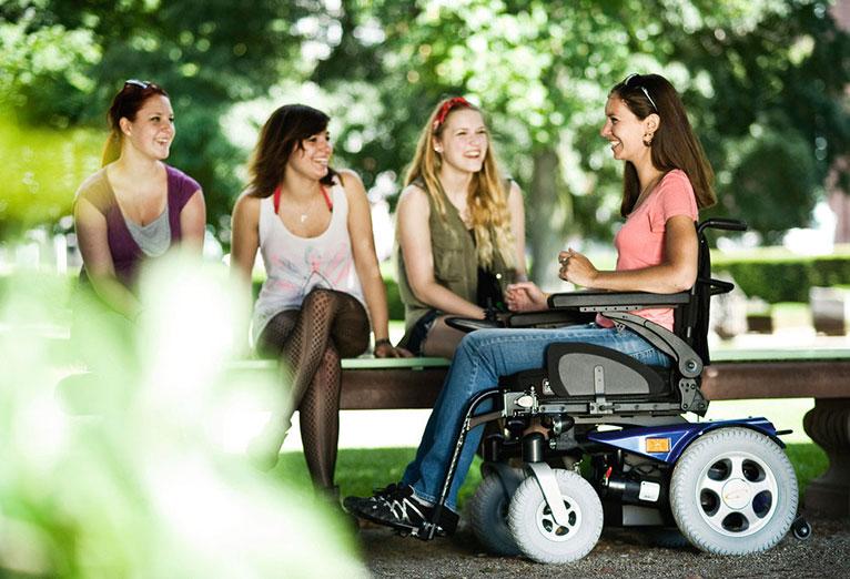 paseo-silla-de-ruedas-electrica-salsa-r2