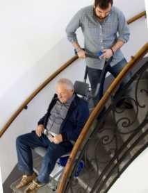 sube-escaleras-liftkar1-escaleras-caracol