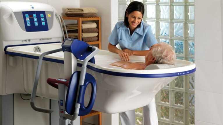 Sillas Grúa para Traslado de Pacientes al Baño - Pacientes semidependientes - ALENTI