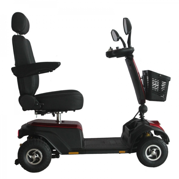 Vista lateral de scooter para discapacitados